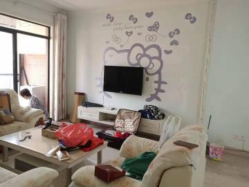 鳳凰城一期好房出租,裝修溫馨,布局優雅,歡迎看房。