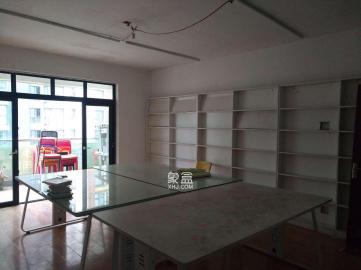 高鑫麓城精空裝修辦公房,可以做培訓,辦公
