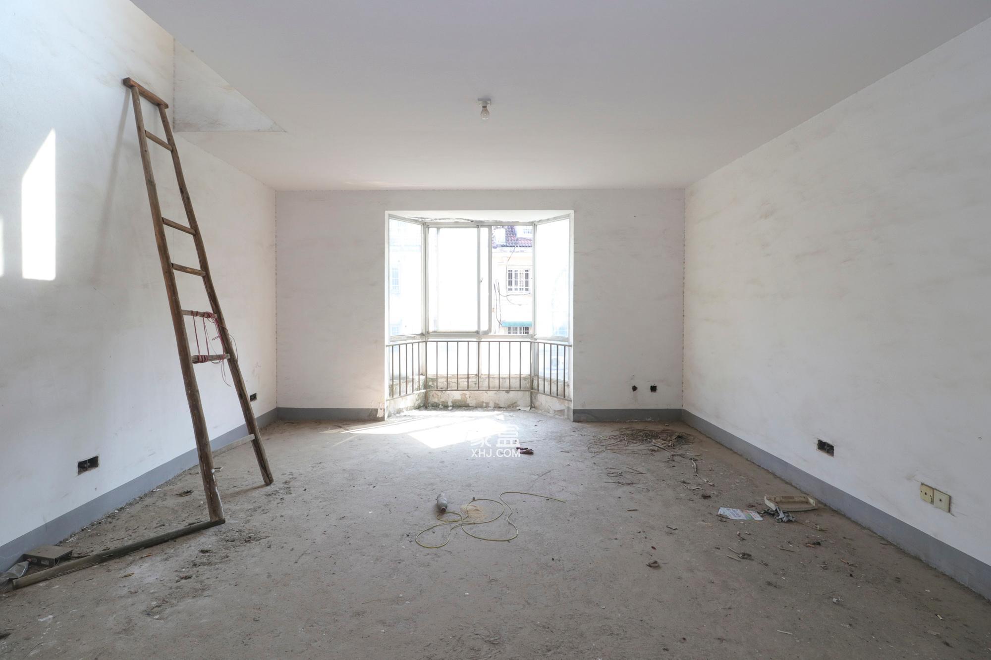 枫林路西湖公园毛佩复式楼双大露台使用面积200多平售价135