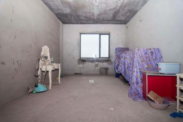兴威帕克水岸  4室2厅1卫    115.0万