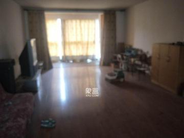 新星小區  3室2廳   2000/月    看房方便