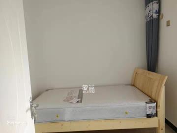 华悦城  3室2厅2卫    2400.0元/月