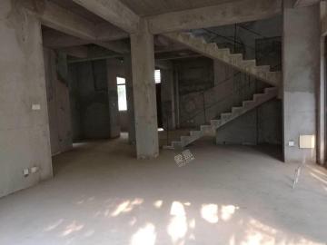 万科浪琴湾  5室3厅1卫    900.0万