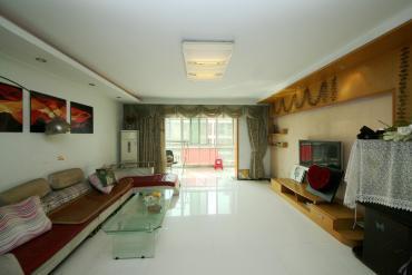 锦湘国际星城(一、二、三、四期美联天骄城)  3室2厅1卫    130.0万