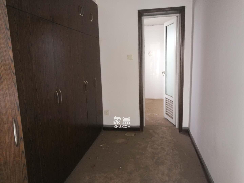 悦禧国际山庄  3室2厅2卫    80.0万