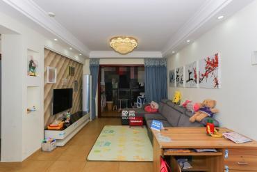 蔚藍海岸精裝兩房,帶全套品牌家電家具,滿五唯1,省個稅