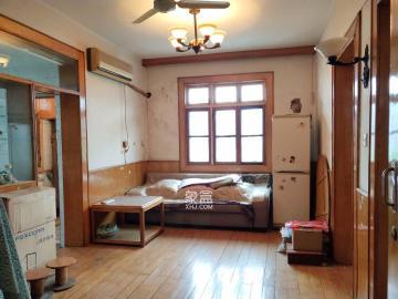 神龙公园对面 精装2房 送杂物间 随时看房