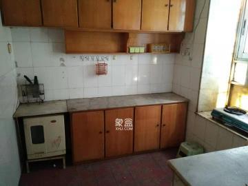 福樂凱公寓  4室2廳1衛    4200.0元/月