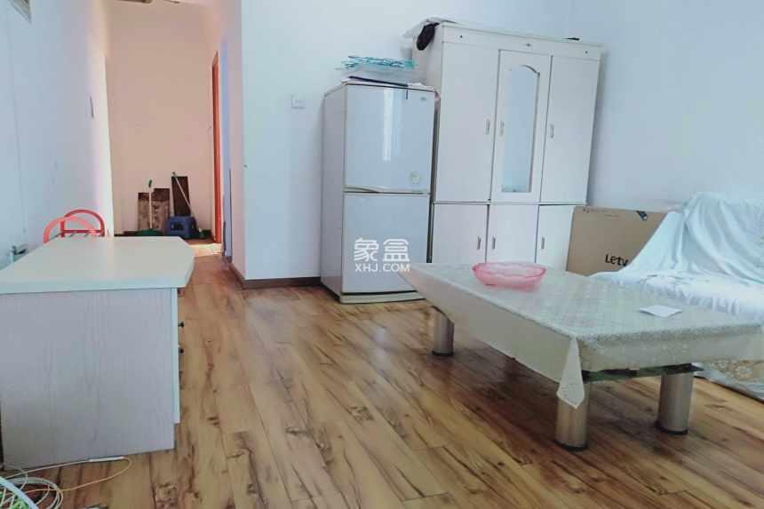 左右小区  1室1厅1卫    1400.0元/月