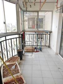华银南苑  3室2厅2卫    2600.0元/月