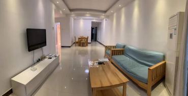 藏瓏湖上國際花園  3室2廳1衛    3500.0元/月