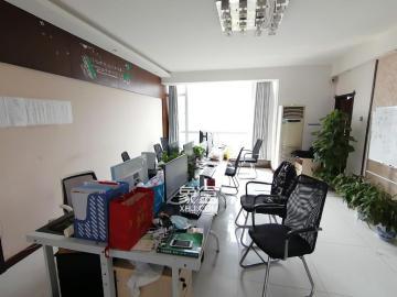 咸嘉新村  4室2厅1卫    4000.0元/月