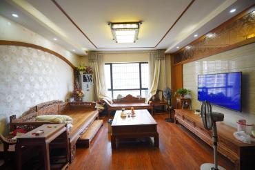 玫瑰名城橡树园  3室2厅2卫    140.0万