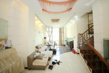 曼哈顿新贵  3室2厅2卫    148.0万