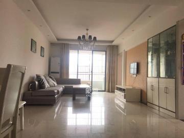 凤凰城二期 实用面积非常大的三房 业主诚心卖 随时看房