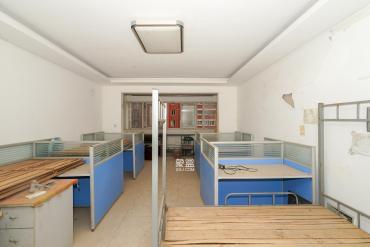 磊鑫嘉苑(地質局單位房)  4室2廳2衛    126.0萬