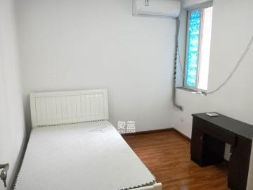 老燈泡廠宿舍(啤酒廠宿舍)  3室2廳1衛    2700.0元/月