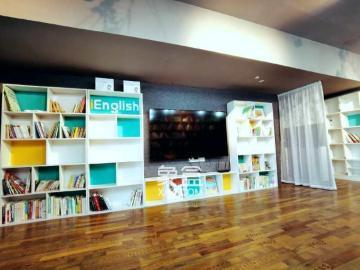 精裝大5房 可以做圖書館 辦公 宿舍 交通方便 干凈整潔