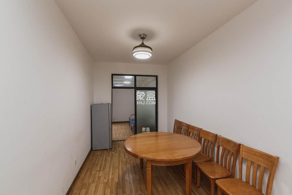 红星德思勤 珑璟台居家装修四房 中间楼层 枫树山小学 急售