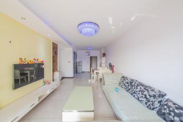 紫云阁  3室2厅2卫    105.0万
