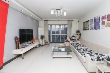 香海西岸  3室2厅2卫    128.0万