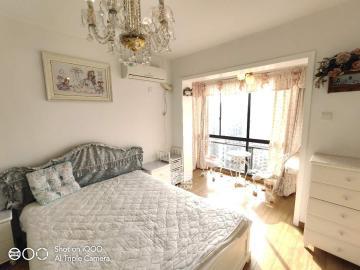 西城龙庭  1室1厅1卫    2400.0元/月