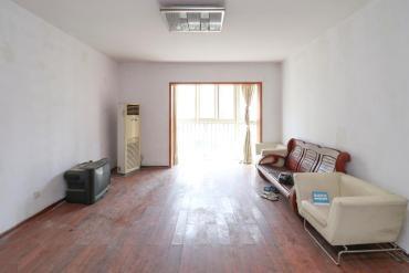 香海西岸  4室2厅2卫    136.0万