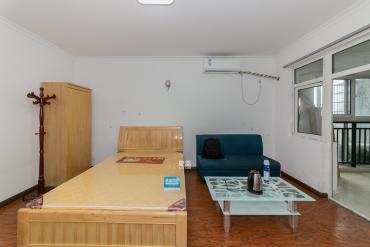 位处浏阳河畔 921医院旁 精装公寓 随时看房
