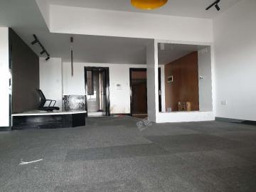 名门广场北区(二期)  4室2厅1卫    350.0万