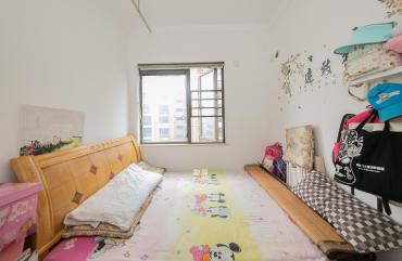 珠江花城  3室2厅1卫    112.0万