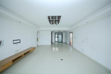 江河雙水灣  4室2廳2衛    185.0萬