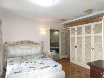 精装两房,南北通透,采光良好,宽敞舒适