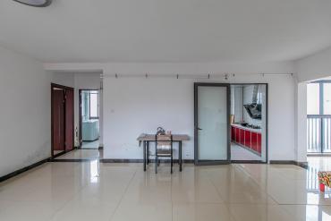 华润凤凰城二期  3室2厅1卫    135.0万