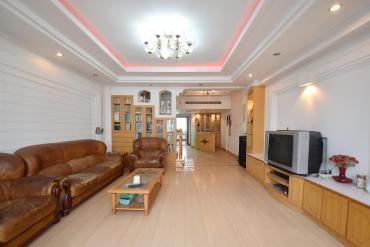 (华凌大厦)五华酒店宿舍  5室3厅2卫    250.0万