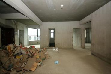 湘府9号  3室2厅2卫    125.0万