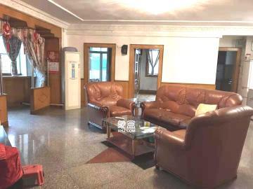 芙蓉广场农行单位宿舍  3室2厅2卫    4000.0元/月