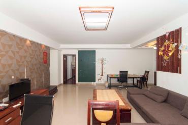 城市森林  3室2厅2卫    136.0万