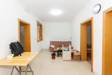 四方坪單位小區 二樓 南北通透兩房 廁所有明窗 有小區環境
