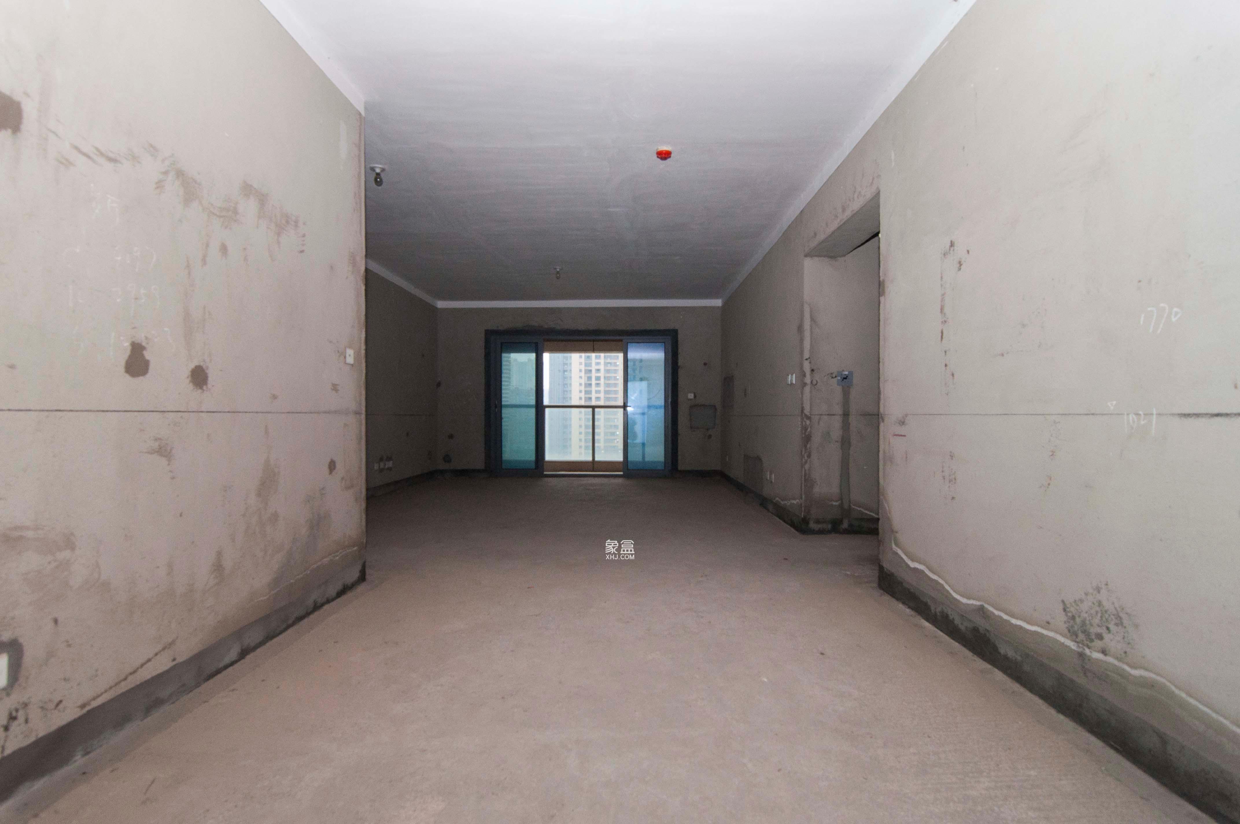保利国际广场  4室2厅1卫    420.0万