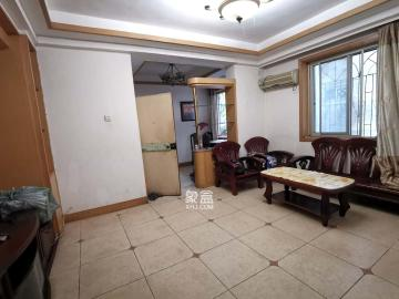物价局宿舍  3室2厅1卫    2200.0元/月