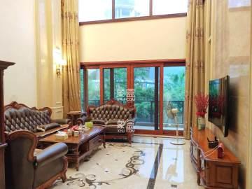青龙湾 独栋豪装别墅 带500平的院子